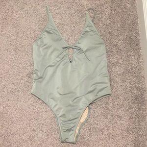 La hearts one piece swimsuit xl